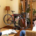 自転車がインテリアに早変わりする家具
